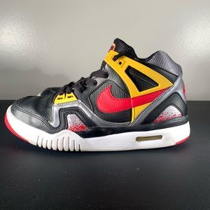 Nike Air Tech Challenge 2 Size 5Y